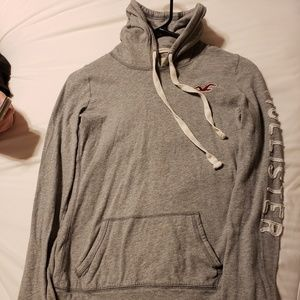 Hollister pullover shirt